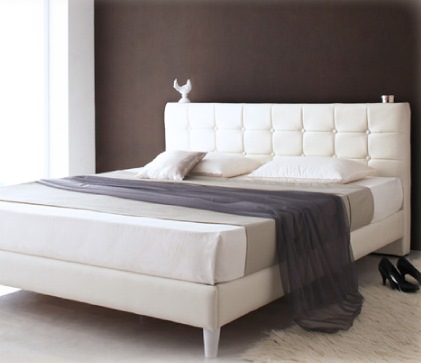 モダンデザイン・高級レザー・大型ベッド【Strom】シュトローム ホワイト