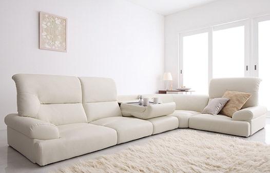 シンプルモダン 白いソファ