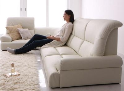 シンプルモダン家具 白いハイバックソファ