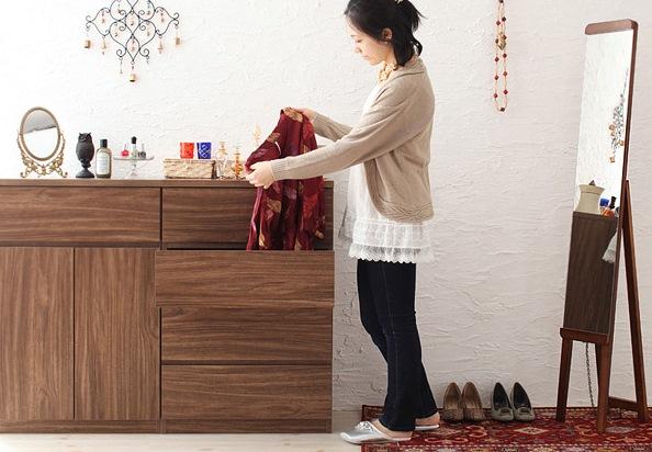 統一された木製家具