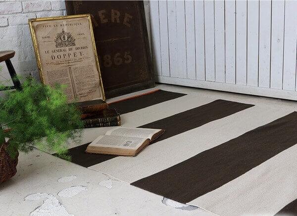 インドコットン手織りストライプラグ ブラウン