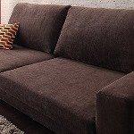 ブラウンのソファ