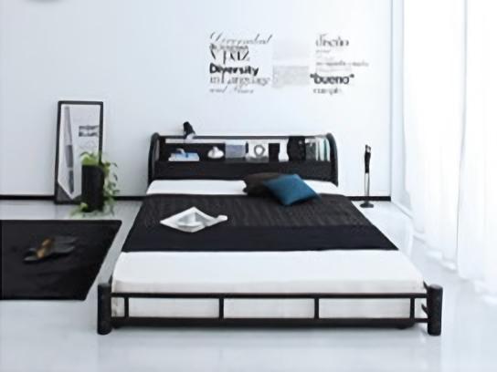 ブラックスチールのベッド
