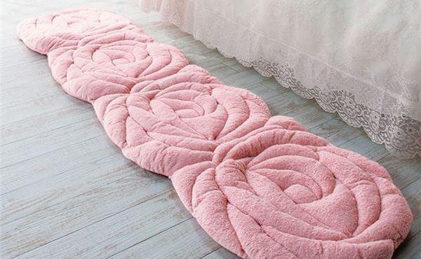 ピンクのローズシートクッション