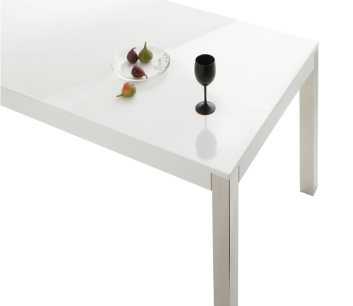 鏡面仕上げの白いダイニングテーブル