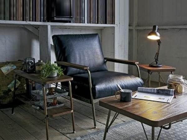 ヴィンテージ古材風ソファ、テーブル