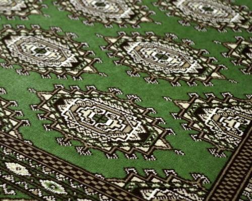 モケット織りグリーン柄ラグ