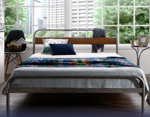 スチール×木目調ベッド