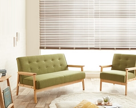 グリーンのソファ